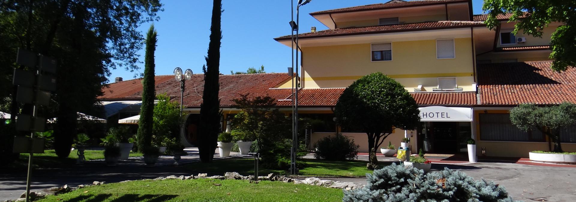8-hotel-la-bulesca-room-1920x675